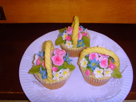 Joan's cup cakes for competition